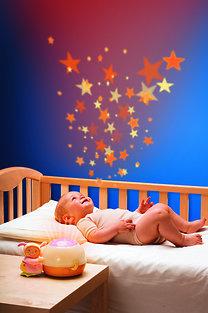 Chicco zenélő csillagok projektor (vetítő) és éjszakai lámpa, rózsaszín